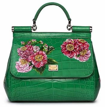 a976e34c694 Dolce   Gabbana lança edição limitada de bolsas de couro pintado à ...